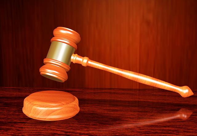 Advogada é condenada por prestar assistência jurídica em imobiliária